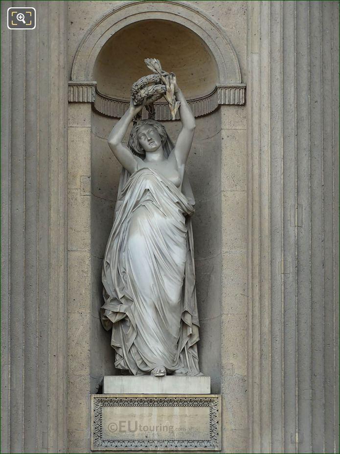 Gloire Statue Aile Sud Musee Du Louvre