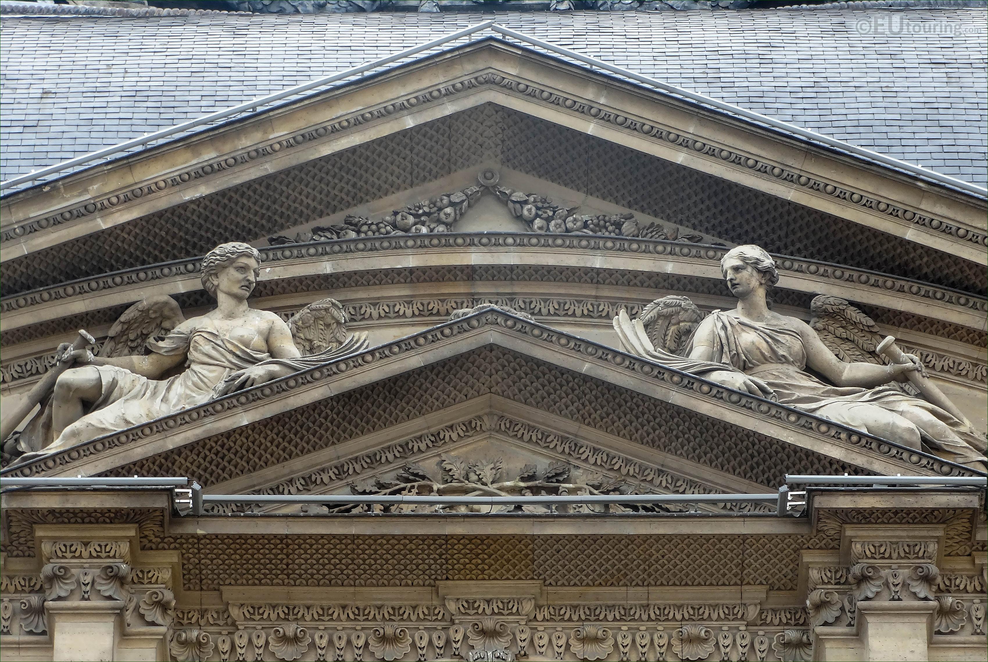 LHS Renommee statue on Pavillon de l\'Horloge at The Louvre ...