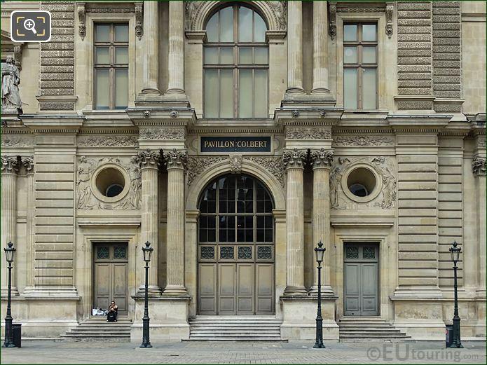 Pavillon Colbert With La Navigation Commerciale Et La Mecanique Sculpture