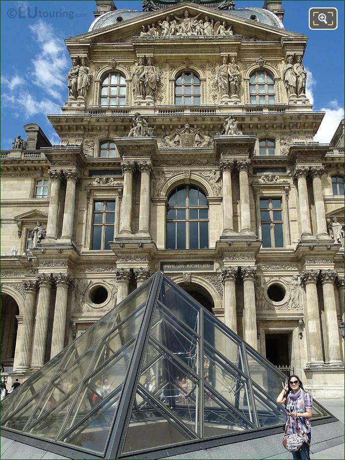 Pavillon Richelieu La Justice Et La Fraternite Sculpture