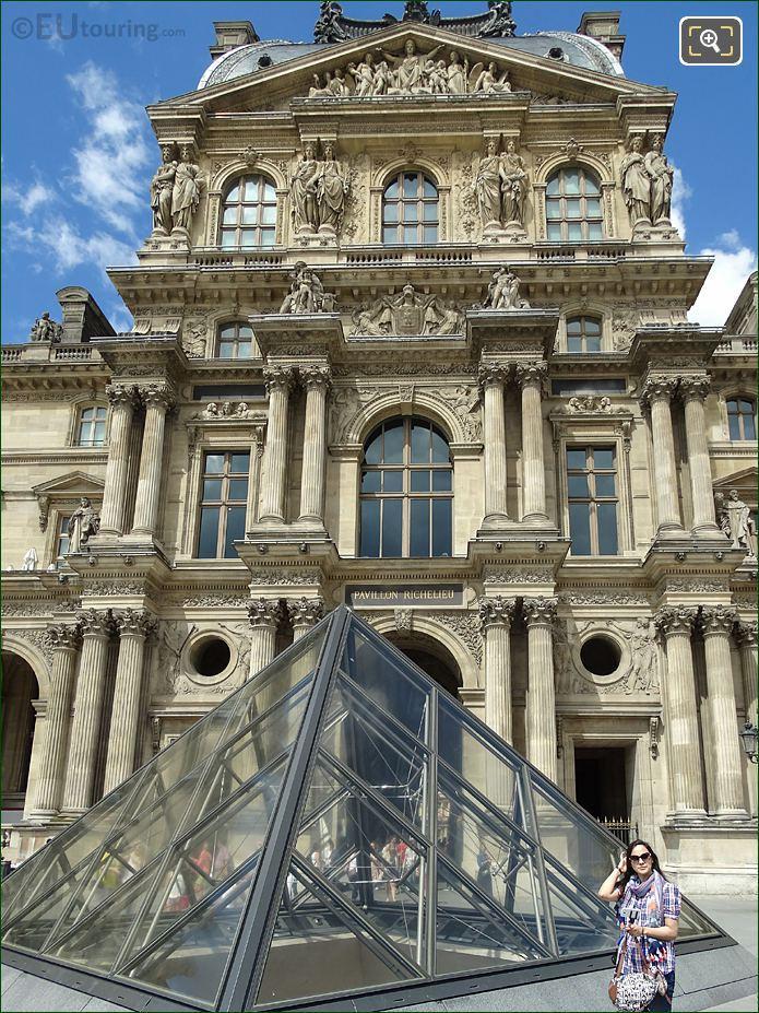 Pavillon Richelieu La Prudence Et La Force Sculpture
