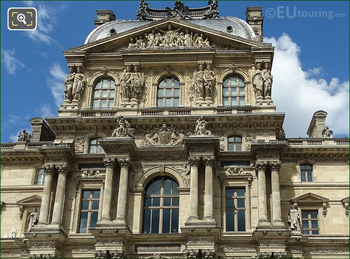 Pavillon Richelieu Caryatides 4th Floor