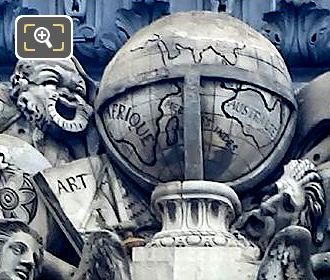 World Globe In L'Art Et La Science Sculpture
