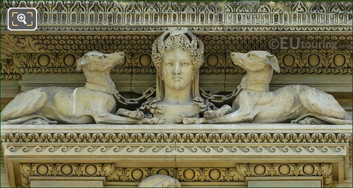 Diane Avec Des Chiens Sculpture To Left Hand Side Of First Window On Aile De Marsan