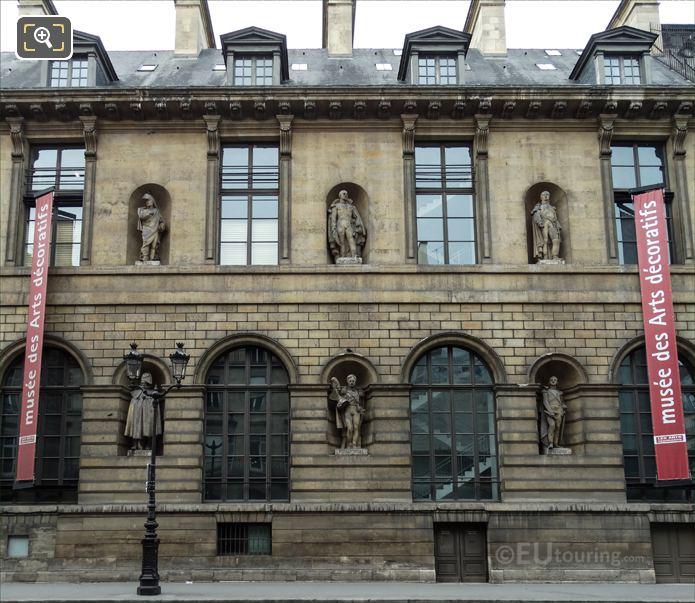 Aile de Rohan-Rivoli with Bon-Adrien Jeannot de Moncey statue
