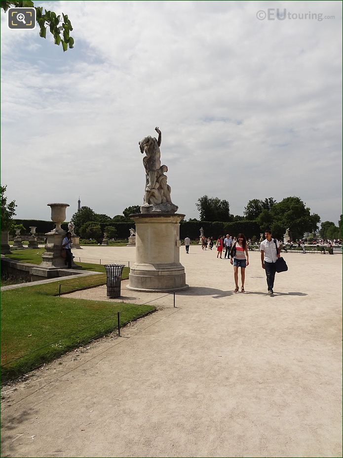 View From Allee Centrale Pathway Inside Jardin Des Tuileries Looking West