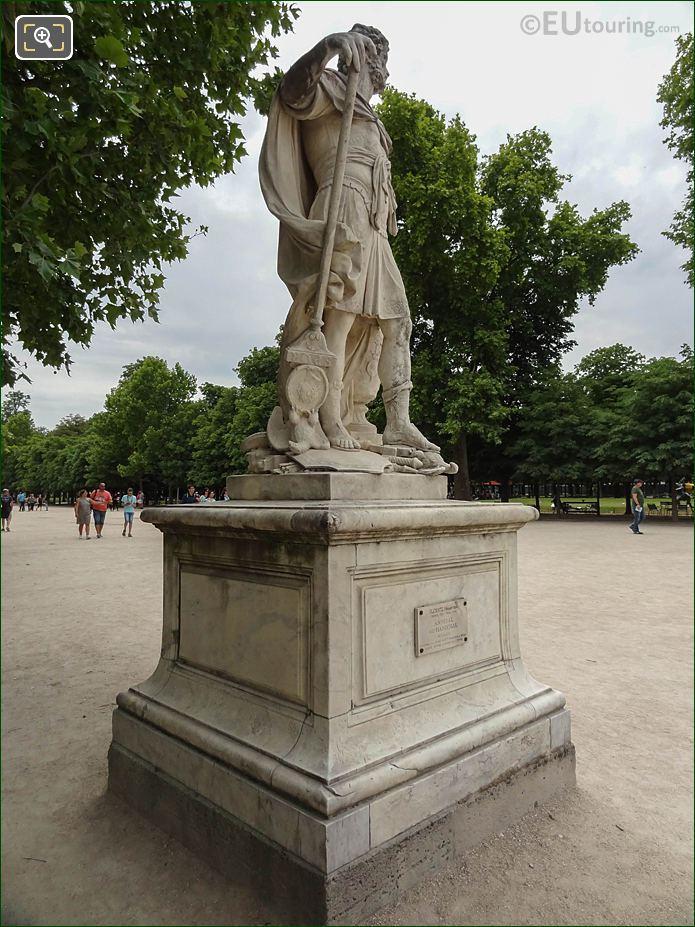 Allee Centrale In Jardin Des Tuileries Looking South East