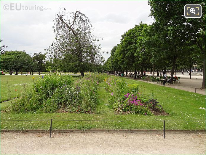 Petit Reserve Nord In Jardin Des Tuileries Looking North Westerly