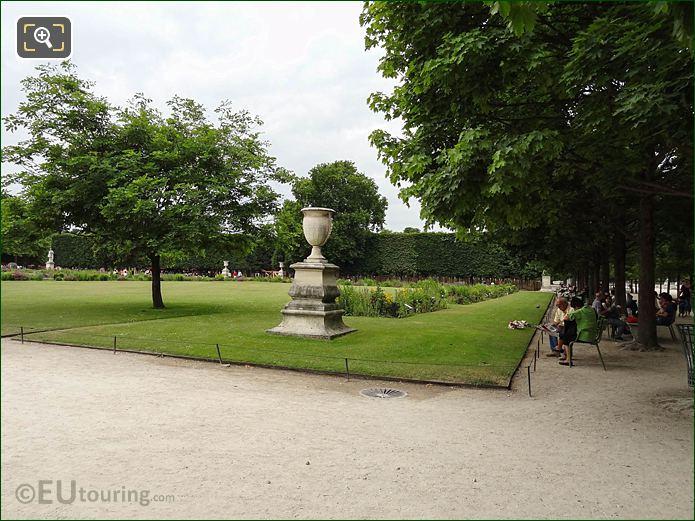 Carre De Fer Nord Garden In Jardin Des Tuileries Looking South West