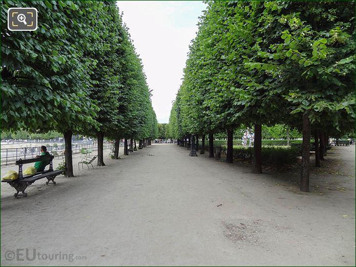 Path To Terrasse Du Jeu De Paume Looking West