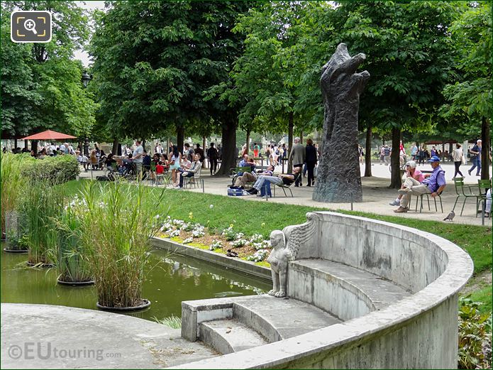 Exedre Nord Sphinx Statue Jardin Des Tuileries Looking SE