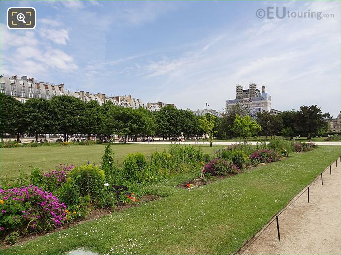 Carre De Fer Nord Garden In Jardin Des Tuileries Looking East