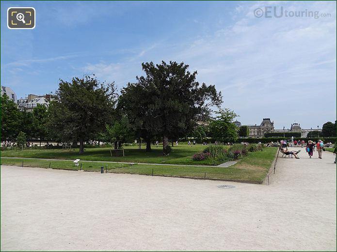 Petit Reserve Nord Inside Jardin Des Tuileries Looking East