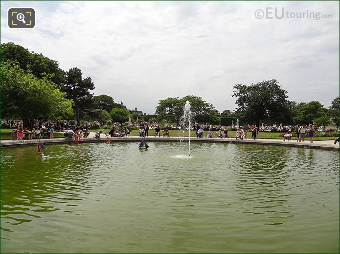 Vivier Nord Pond Jardin Tuileries Looking SSW border=