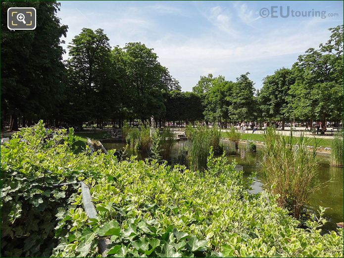 Exedre Sud Pond In Jardin Des Tuileries Looking North West