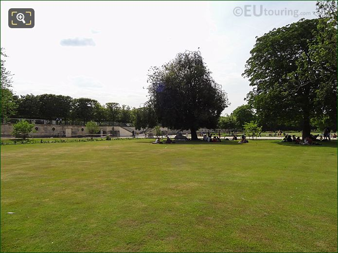 Petit Reserve Sud Garden In Jardin Des Tuileries Looking South West