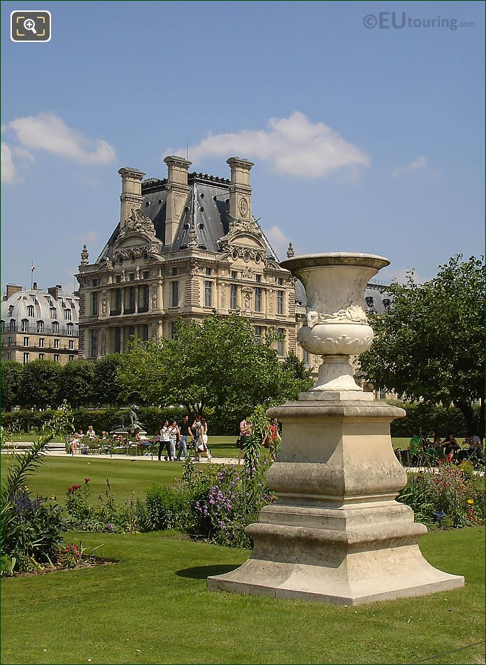 Vase In Demi-lune Reserve Nord Jardin Tuileries Looking NE