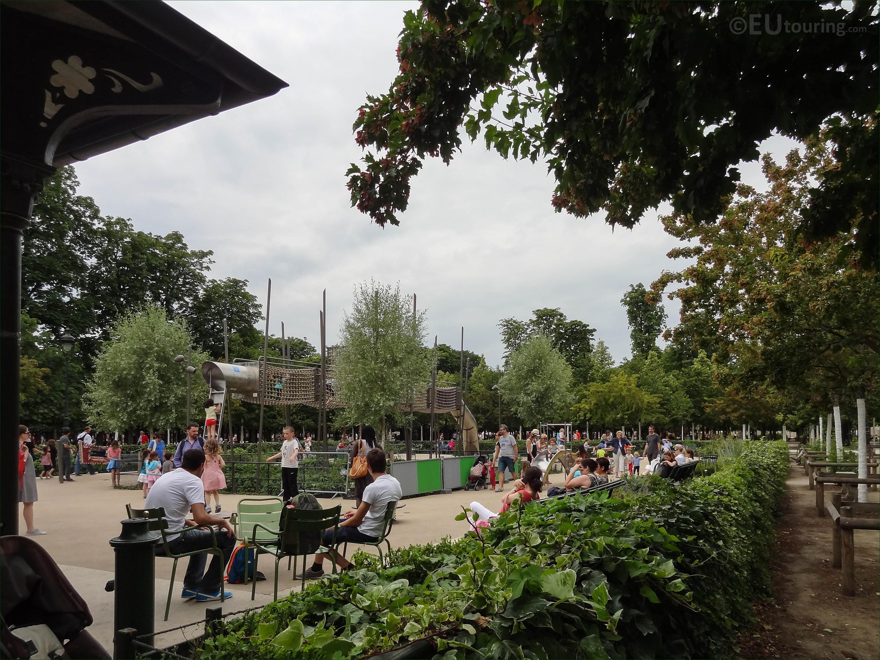 Childrens playground inside Jardin des Tuileries - Page 51