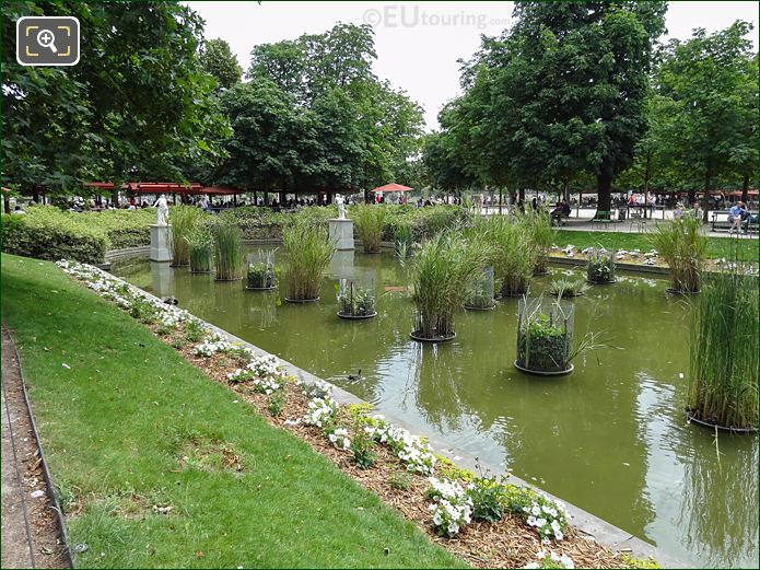 Exedre Nord Pond Jardin Des Tuileries Looking SE
