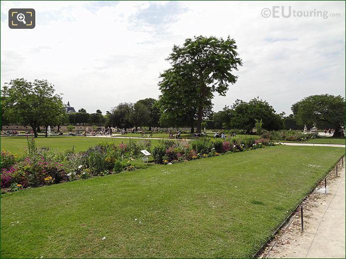 Demi-lune Reserve Sud Jardin Tuileries Looking South