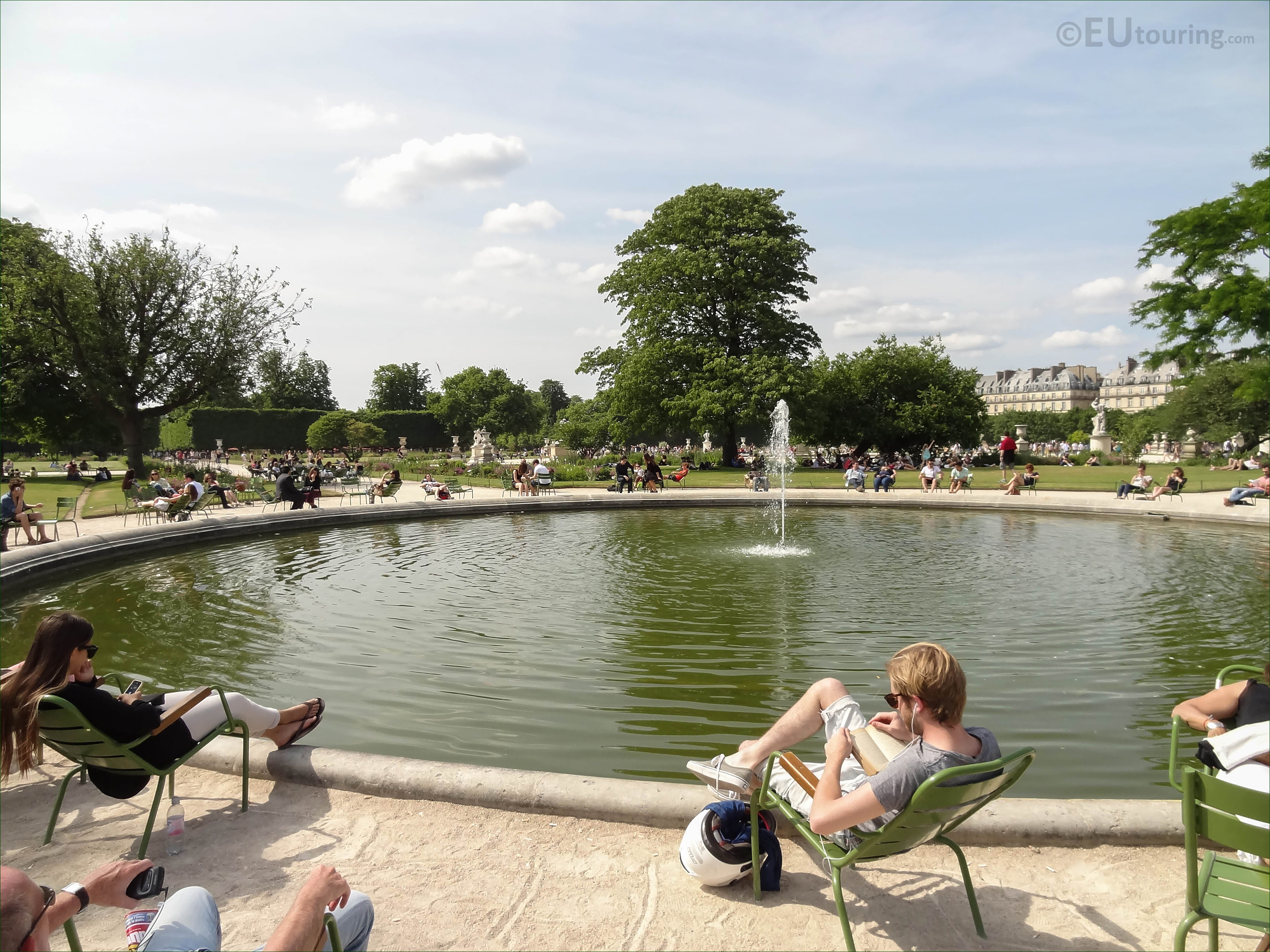 SE pond and water fountain in Jardin des Tuileries Page 49
