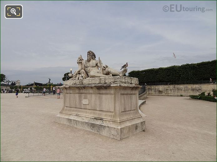 Rampe Nord And Le Tibre Statue In Jardin Des Tuileries Looking North West