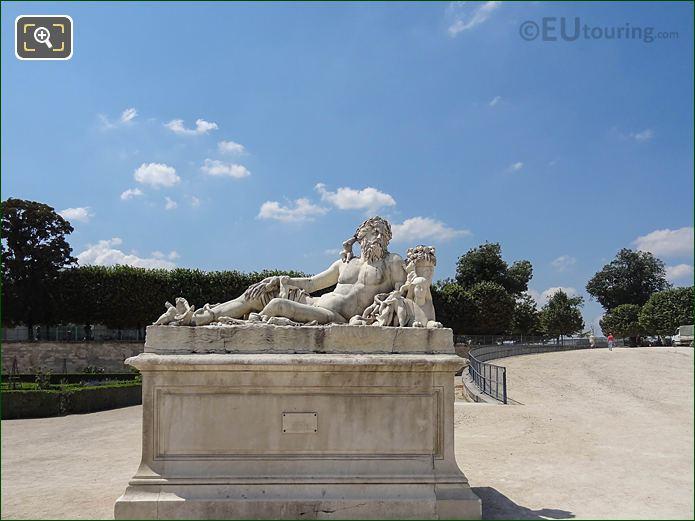 SW Le Nil Statue Fer A Chevel Area Jardin Tuileries