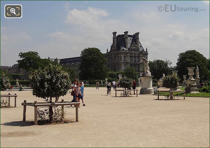 SE Grand Carre Area Jardin Des Tuileries