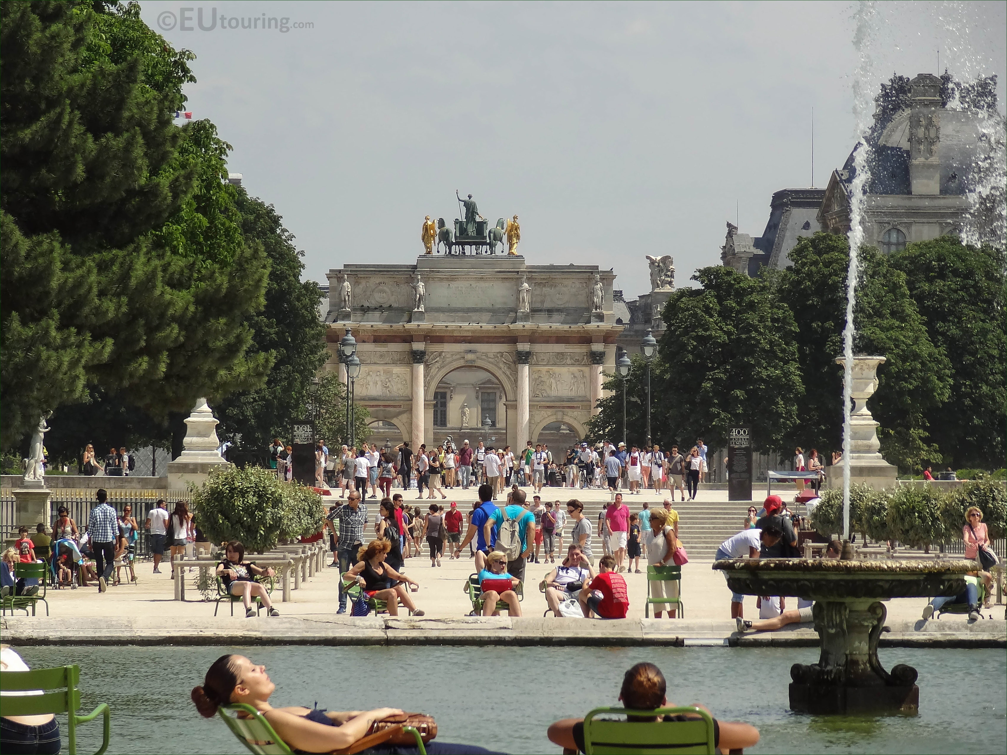 grand bassin rond water feature in jardin des tuileries. Black Bedroom Furniture Sets. Home Design Ideas