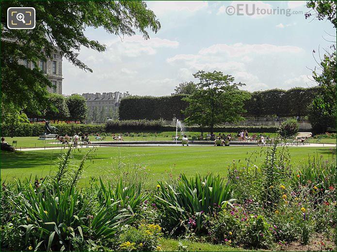 SE Water Fountain Tuileries Garden