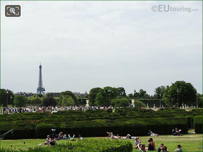 Jardin Du Carrousel In Jardin Des Tuileries Looking West