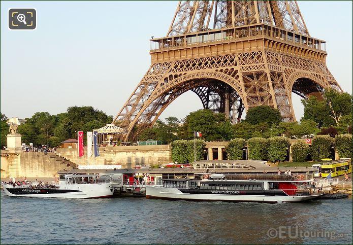Boat Docks For  Vedettes De Paris