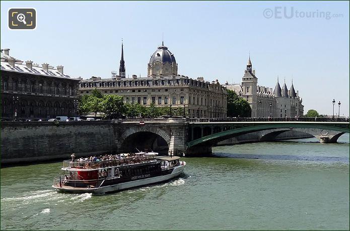 Vedettes De Paris Boat And La Conciergerie