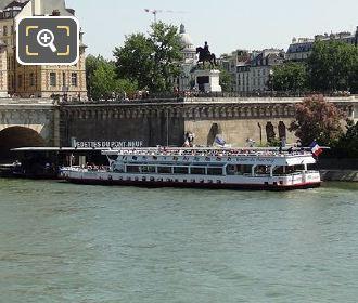 Vedettes Du Pont Neuf Boat Docking Area