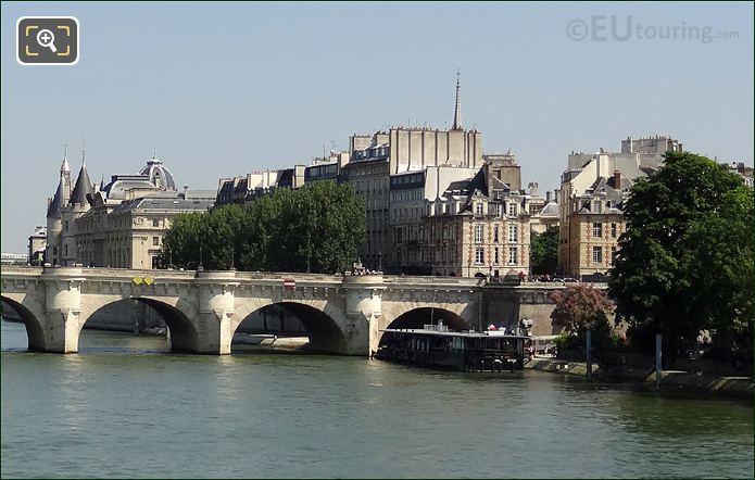 Vedettes Du Pont Neuf Dock