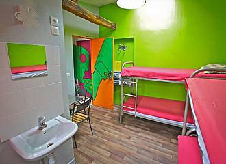 Woodstock Hostel Dorm Room