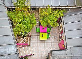 Woodstock Hostel Courtyard